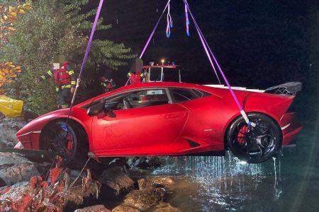 """Lamborghini Huracan postao """"podmornica"""", greškom vlasnika završio u jezeru na dubini od 15 metara"""